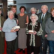 CDA vrouwen als boekendient voor de bibliotheek Huizen