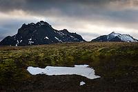 Suðaustan við Skjaldbreið. Horft í suður til Skriðutinda. Southeast of Skjaldbreidur. Looking south towards mountains Skridutindar.