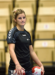 19-12-2015 DEN: World Championships Handball 2015 Training Oranje, Herning<br /> Na een rustige training werd er een persmoment gehouden / Angela Malestein #26
