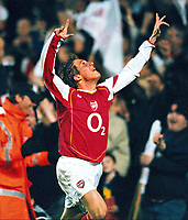 Fotball<br /> Carling Cup Fourth Round<br /> 09.11.2004<br /> Foto: Colorsport/Digitalsport<br /> NORWAY ONLY<br /> <br /> Arturo Lupoli (Arsenal) celebrates his 1st goal.<br /> <br /> Arsenal v Everton