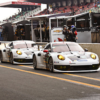 #91 + #92 Porsche 911 RSR awaiting departure on the first practice session at Le Mans 24H on 19 June 2013