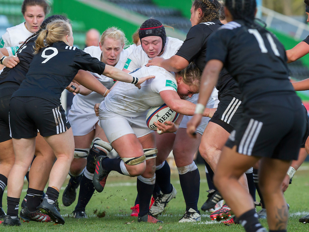 Izzy Noel-Smith supported by Tamara Taylor and Laura Keates, England Women v New Zealand Women in an Old Mutual Wealth Series, Autumn International match at Twickenham Stoop, Twickenham, England, on 19th November 2016. Full Time score 20-25
