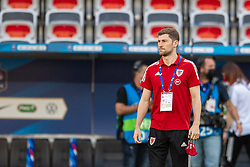 NICE, FRANCE - Wednesday, June 2, 2021: Wales' Ben Davies inspects the pitch before an international friendly match between France and Wales at the Stade Allianz Riviera ahead of the UEFA Euro 2020 tournament. (Pic by Simone Arveda/Propaganda)