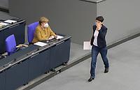 DEU, Deutschland, Germany, Berlin, 04.03.2021: Bundeskanzlerin Dr. Angela Merkel (CDU) und Dr. Frauke Petry (fraktionslos) in der Plenarsitzung im Deutschen Bundestag.