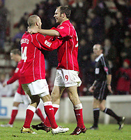 Fotball<br /> England 2004/2005<br /> Foto: SBI/Digitalsport<br /> NORWAY ONLY<br /> <br /> Swindon Town v Hull City<br /> The Coca-Cola Football League one. County Ground.<br /> 20/11/2004<br /> <br /> Swindon's Sam Parkin celebrates scoring the third goal against Hull with fourth goal scorer Christian Roberts