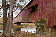 Roseville Covered Bridge (263 feet long) was built in Burr Arch style over Big Raccoon Creek in 1910 by Van Fossen in Parke County, Indiana, USA.
