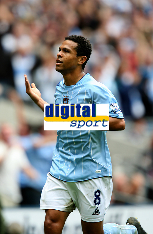 Photo: Paul Greenwood.<br />Manchester City v Manchester United. The FA Barclays Premiership. 19/08/2007.<br />Manchester City's Geovanni salutes the fans after scoring the opening goal