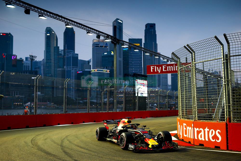 September 15, 2018 - Singapore, Singapore - Motorsports: FIA Formula One World Championship 2018, Grand Prix of Singapore, .#3 Daniel Ricciardo (AUS, Aston Martin Red Bull Racing) (Credit Image: © Hoch Zwei via ZUMA Wire)