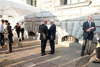 """03 AUG 2009, BERLIN/GERMANY:<br /> Thomas Steg (L), Medienberater von Steinmeier, und Frank-Walter Steinmeier (R), SPD, Bundesaussenminister und Kanzlerkandidat, im Gespraech, nach einer Veranstaltung der Karl-Schiller-Stiftung zum Thema """"Die Arbeit von morgen - Politik fuer das naechste Jahrzehnt"""", Baerensaal, Altes Stadthaus<br /> IMAGE: 20090803-02-129<br /> KEYWORDS: Gespräch"""
