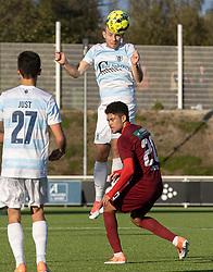 Anders Holst (FC Helsingør) når højere end Thomas Santos (Skive IK) under kampen i 1. Division mellem FC Helsingør og Skive IK den 18. oktober 2020 på Helsingør Stadion (Foto: Claus Birch).