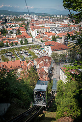 THEMENBILD - Die Standseilbahn auf den Burgberg in der Slowenischen Hauptstadt Laibach am 30. April 2017 // THEMES PICTURE - The funicular to the castle hill of the Slovenian capitol Ljubljana on 30 April 2017. EXPA Pictures © 2017, PhotoCredit: EXPA/ Erwin Scheriau