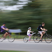 Bike riders in Central Park, Manhattan, New York, USA. Photo Tim Clayton