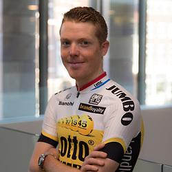 08-01-2016: Wielrennen: Presentatie Lotto Jumbo: Den Bosch<br />'s-HERTOGENBOSCH (NED) wielrennen<br />Team Lotto-Jumbo werd gepresenteerd op het HQ van Brand Loyalty  <br />Steven Kruijswijk