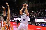 DESCRIZIONE : Treviso Lega due 2015-16  Universo Treviso De Longhi - Aurora Basket Jesi<br /> GIOCATORE : tommaso rinadi<br /> CATEGORIA : Tiro<br /> SQUADRA : Universo Treviso De Longhi - Aurora Basket Jesi<br /> EVENTO : Campionato Lega A 2015-2016 <br /> GARA : Universo Treviso De Longhi - Aurora Basket Jesi<br /> DATA : 31/10/2015<br /> SPORT : Pallacanestro <br /> AUTORE : Agenzia Ciamillo-Castoria/M.Gregolin<br /> Galleria : Lega Basket A 2015-2016  <br /> Fotonotizia :  Treviso Lega due 2015-16  Universo Treviso De Longhi - Aurora Basket Jesi