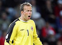 Fotball / Football<br /> World Cup Qualification<br /> 07.09.2005<br /> Oslo, Norway<br /> Norway v Scotland<br /> Norge v Skottland<br /> Photo: Morten Olsen, Digitalsport<br /> <br /> An angry Norwegian goalkeeper Thomas Myhre
