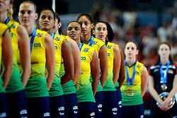 23-08-2009 VOLLEYBAL: WGP FINALS CEREMONY: TOKYO <br /> Brazilie met oa. Welissa Gonzaga, Joyce Silva en Sheilla Castro  wint de World Grand Prix 2009<br /> ©2009-WWW.FOTOHOOGENDOORN.NL