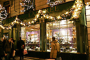 Paris, France. December 19th 2005..Christmas atmosphere..