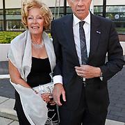 NLD/Hilversum/20100830 - Voetbalgala 2010, Gerrie Muhren en partner Grietje Mooijer