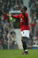 Photo. Andrew Unwin.<br /> Manchester United v Southampton, Barclaycard Premier League, Old Trafford, Manchester 31/01/2004.<br /> Manchester United's Louis Saha on his debut.