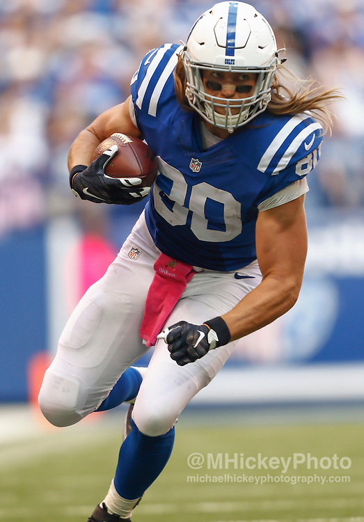 INDIANAPOLIS, IN - OCTOBER 4: Coby Fleener #80 of the Indianapolis Colts runs the ball during the game against the Jacksonville Jaguars at Lucas Oil Stadium on October 4, 2015 in Indianapolis, Indiana. Indianapolis defeated Jacksonville 16-13. (Photo by Michael Hickey/Getty Images) *** Local Caption *** Coby Fleener