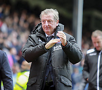 Fotball<br /> Foto: imago/Digitalsport<br /> NORWAY ONLY<br /> <br /> 16th September 2017, Selhurst Park, London, England; EPL Premier League football, Crystal Palace versus Southampton; Roy Hodgson manager of Crystal Palace makes his way to the tunnel after the game