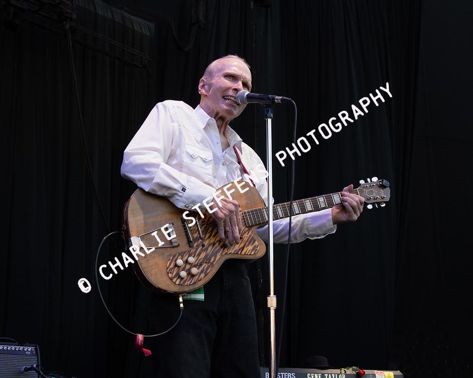 PHIL ALVIN of The Blasters at Pacific Amphitheater in Costa Mesa, California