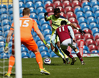 Football - 2020 / 2021 Premier League - Burnley vs. Newcastle United<br /> <br /> Allan Saint-Maximin of Newcastle United beats Dwight McNeil of Burnley to set up the equaliser for Jacob Murphy, at Turf Moor.<br /> <br /> <br /> COLORSPORT/ALAN MARTIN