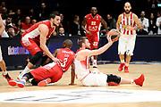 DESCRIZIONE : Milano Euroleague 2015-16 EA7 Emporio Armani Milano - Olympiacos Piraeus<br /> GIOCATORE : Vangelis Mantzaris<br /> CATEGORIA : equilibrio a terra passaggio<br /> SQUADRA : Olympiacos Piraeus<br /> EVENTO : Euroleague 2015-2016<br /> GARA : EA7 Emporio Armani Milano - Olympiacos Piraeus<br /> DATA : 30/10/2015<br /> SPORT : Pallacanestro<br /> AUTORE : Agenzia Ciamillo-Castoria/Max.Ceretti<br /> Galleria : Euroleague 2015-2016 <br /> Fotonotizia: Milano Euroleague 2015-16 EA7 Emporio Armani Milano - Olympiacos Piraeus