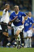 Photo: Chris Brunskill. Everton v Fulham. Barclays Premiership. 20/11/2004. Leon Osman of Everton
