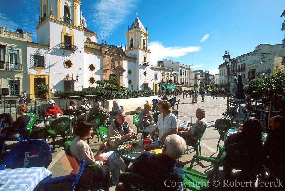 SPAIN, ANDALUSIA, RONDA 'pueblo blanco' Plaza Mayor