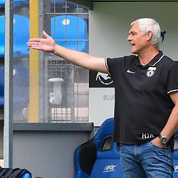 Grossaspachs Trainer Hans-Jürgen Hans-Juergen Boysen  beim Spiel in der 3. Liga, SV Waldhof Mannheim - SG Sonnenhof Großaspach.<br /> <br /> Foto © PIX-Sportfotos *** Foto ist honorarpflichtig! *** Auf Anfrage in hoeherer Qualitaet/Aufloesung. Belegexemplar erbeten. Veroeffentlichung ausschliesslich fuer journalistisch-publizistische Zwecke. For editorial use only. DFL regulations prohibit any use of photographs as image sequences and/or quasi-video.