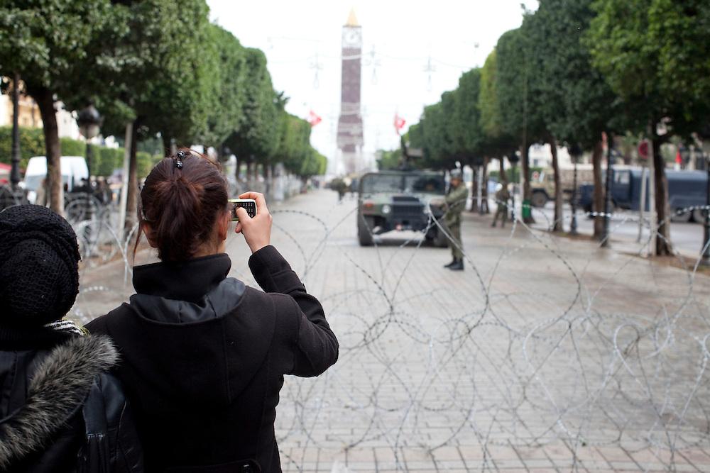 Tunis, Tunisia. January 27th 2011.Women photograph the army on Avenue Bourguiba.....