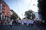 Manifestazione Umfairteilen per la redistribuzione equa dei patrimoni fiscali e dei redditi promossa dalle forze di sinistra, dai verdi e da numerose associazioni.