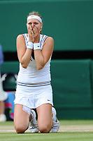 TENNIS - GRAND SLAM - WIMBLEDON CHAMPIONSHIPS 2011 - LONDON (GBR) - FINAL WOMEN - 02/07/2011 - PHOTO : ANTOINE COUVERCELLE / TENNIS MAG / DPPI - PETRA KVITOVA (CZE) DEF MARIA SHARAPOVA (RUS)