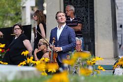 Beerdigung von Sonia Rykiel auf dem Friedhof Montparnasse in Paris / 010916 *** French violinist Renaud Capucon during the funeral of the late French fashion designer Sonia Rykiel, at the Montparnasse cemetery in Paris, France, September 1 2016.