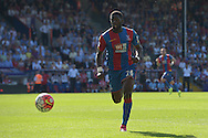 Bakary Sako of Crystal Palace chasing for the ball. Barclays Premier league match, Crystal Palace v Aston Villa at Selhurst Park in London on Saturday 22nd August 2015.<br /> pic by John Patrick Fletcher, Andrew Orchard sports photography.
