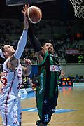 DESCRIZIONE : Final Eight Coppa Italia 2015 Desio Quarti di Finale Olimpia EA7 Emporio Armani Milano - Sidigas Scandone Avellino<br /> GIOCATORE : Sundiata Gaines Daniel Hackett<br /> CATEGORIA : rimbalzo <br /> SQUADRA : Sidigas Avellino EA7 Emporio Armani Milano<br /> EVENTO : Final Eight Coppa Italia 2015 Desio<br /> GARA : Olimpia EA7 Emporio Armani Milano - Sidigas Scandone Avellino<br /> DATA : 20/02/2015<br /> SPORT : Pallacanestro <br /> AUTORE : Agenzia Ciamillo-Castoria/Max.Ceretti