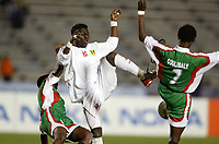 Fotball<br /> African Nations Cup 2004<br /> Afrika mesterskapet 2004<br /> Foto: Digitalsport<br /> NORWAY ONLY<br /> <br /> FIRST ROUND - GROUP B - 040130<br /> MALI v BURKINA FASO<br /> SOUMALLA COULIBALY (MALI)<br /> AMADOU COULIBALY (BUR)