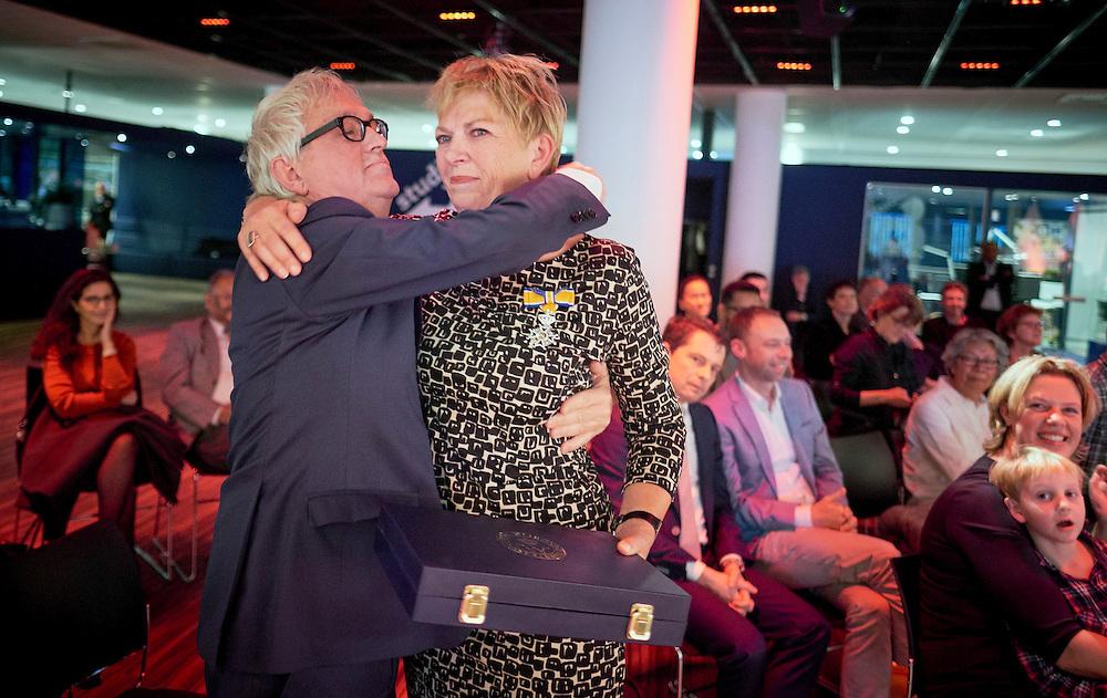 Den Haag, 8 december 2016.<br /> Koninklijke onderscheiding voor historica Annemarie Cottaar<br /> FOTO MARTIJN BEEKMAN