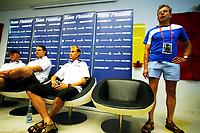 Friidrett , 20. august 2009 , VM Berlin ,  pressekonferanse Finland , En stol sto tom på finnenes pressekonferanse , Tero Pitkämäki / Tero Pitkamaki , har fått influensa og stilte ikke <br /> Her forklarer doktor /lege Timo Kuusisto om tilstanden til spydkasteren<br /> <br /> One chair emty. Tero Pitkamaki missing at the finnish pressconf. Right doctor Timo Kuusisto , telling about his situation.