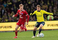 Gustav Marcussen (Lyngby BK) og Simon Tibbling (Brøndby IF) under kampen i 3F Superligaen mellem Brøndby IF og Lyngby Boldklub den 1. marts 2020 på Brøndby Stadion (Foto: Claus Birch).
