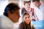 AMSTERDAM, 04-11-2020, BovenIJ ziekenhuis<br /> <br /> Koningin Maxima tijdens een bezoek aan het BovenIJ ziekenhuis in Amsterdam-Noord. Het bezoek staat in het teken van de gevolgen van de coronapandemie voor de reguliere zorg en het sociaal domein. <br /> <br /> Queen Maxima during a visit to the BovenIJ hospital in Amsterdam-Noord. The visit focuses on the consequences of the corona pandemic for regular care and the social domain.