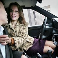 Nederland, Bloemendaal aan Zee , 9 november 2009..Vrouw die vreemd gaat, overspel pleegt met minnaar...Foto:Jean-Pierre Jans