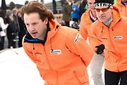 Leden van de koninklijke familie nemen deel aan de tweede editie van De Hollandse 100 op FlevOnice, een sportief evenement van fonds Lymph&Co ter ondersteuning van onderzoek naar lymfeklierkanker. <br /> <br /> Members of the royal family take part in the second edition of the Dutch 100 on FlevOnice, a sporting event Lymph & Co fund to support research into lymphoma.<br /> <br /> Op de foto / On the photo:  Prins Floris
