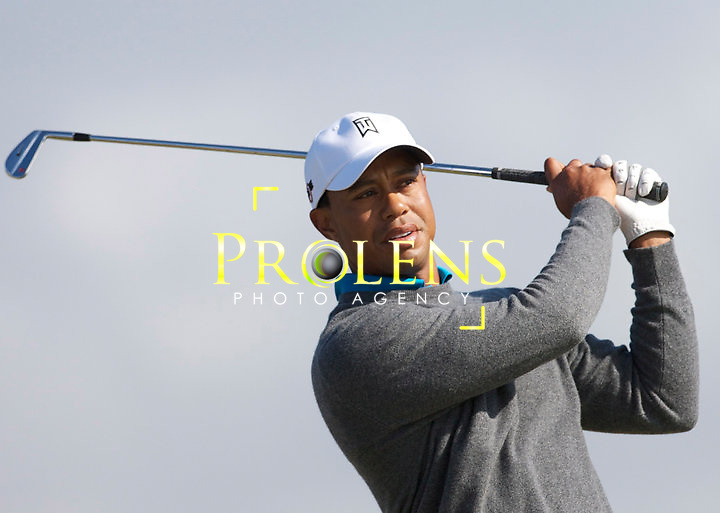 THE OPEN CHAMPIONSHIP 2011.<br /> <br /> TIGER WOODS IN ACTION DURING THE OPEN CHAMPIONSHIP 2011.<br /> <br /> AT THE OLD COURSE ST ANDREWS.<br /> PICTURE MARK DAVISON/PLPA<br /> <br /> Country:SCOTLAND<br /> Country ISO:GBRPROLENS PHOTO AGENCY
