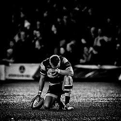 Gareth Anscombe of Cardiff Blues waits to kick at goal<br /> <br /> Photographer Simon King/Replay Images<br /> <br /> Guinness PRO14 Round 4 - Cardiff Blues v Munster - Friday 21st September 2018 - Cardiff Arms Park - Cardiff<br /> <br /> World Copyright © Replay Images . All rights reserved. info@replayimages.co.uk - http://replayimages.co.uk