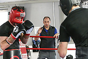 Boxen: 1. Bundesliga, Hamburg Giants, Hamburg, 13.02.2017<br /> Pressetraining zur Kooperation mit dem Hamburger Profi-Boxstall EC Boxing:<br /> Igor Mikhalkin (EC Boxing) und Trainer Buelent Baser<br /> © Torsten Helmke
