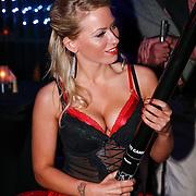 NLD/Amsteram/20121025- Lancering Assassin's Creed game, gastvrouw in lingerie
