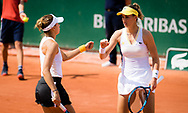 Magda Linette of Poland and Bernarda Pera of the United States in action during her doubles match at the Roland-Garros 2021, Grand Slam tennis tournament on June 2, 2021 at Roland-Garros stadium in Paris, France - Photo Rob Prange / Spain ProSportsImages / DPPI / ProSportsImages / DPPI