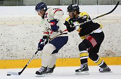 01.09.2013, Albert Schultz Eishalle, Wien, AUT, European Trophy, UPC Vienna Capitals vs Linkoepings HC, im Bild Magnus Johansson, (Linkoepings HC, #7) und Justin Keller, (UPC Vienna Capitals, #19)  // during the European Trophy Icehockey match betweeen UPC Vienna Capitals (AUT) vs Linkoepings HC (SWE) at the Albert Schultz Eishalle, Vienna, Austria on 2013/09/01. EXPA Pictures © 2013, PhotoCredit: EXPA/ Thomas Haumer